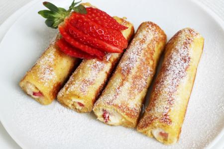 Dessert mit Erdbeeren