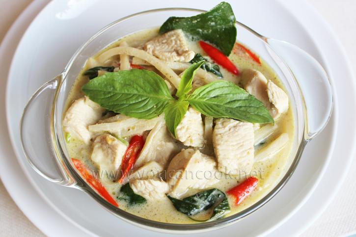 Grünes Curry Rezept - Mit Hähnchen und Bambussprossen