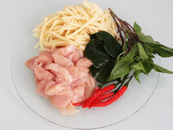 Grünes Curry Rezept - Mit Hähnchen und Bambussprossen1